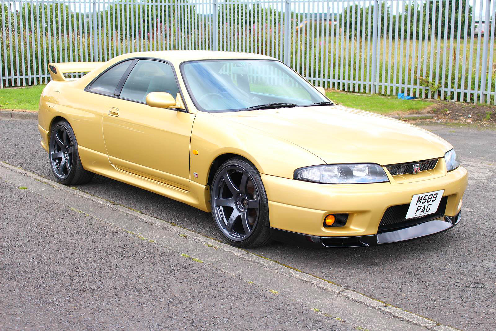 1995 nissan skyline r33 gtr top secret gold. Black Bedroom Furniture Sets. Home Design Ideas