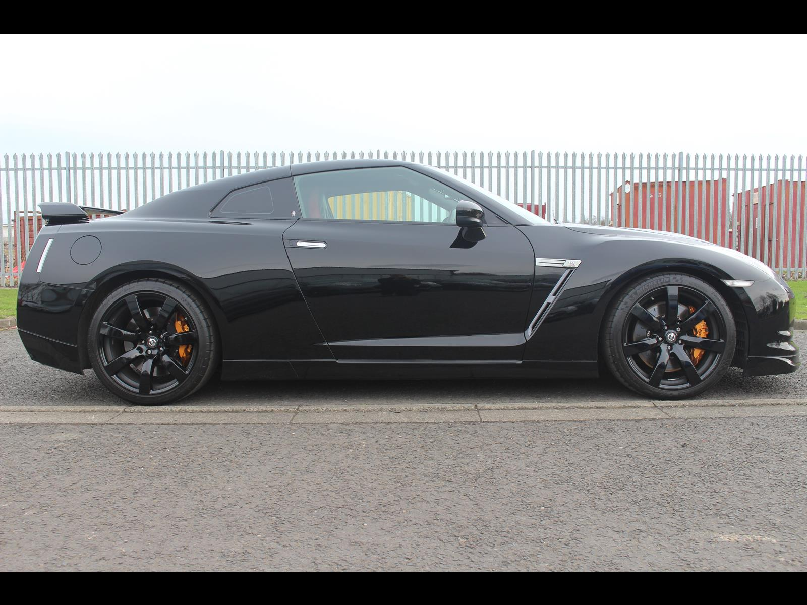 2009 nissan r35 gtr uk model black edition stage 4 tuned. Black Bedroom Furniture Sets. Home Design Ideas