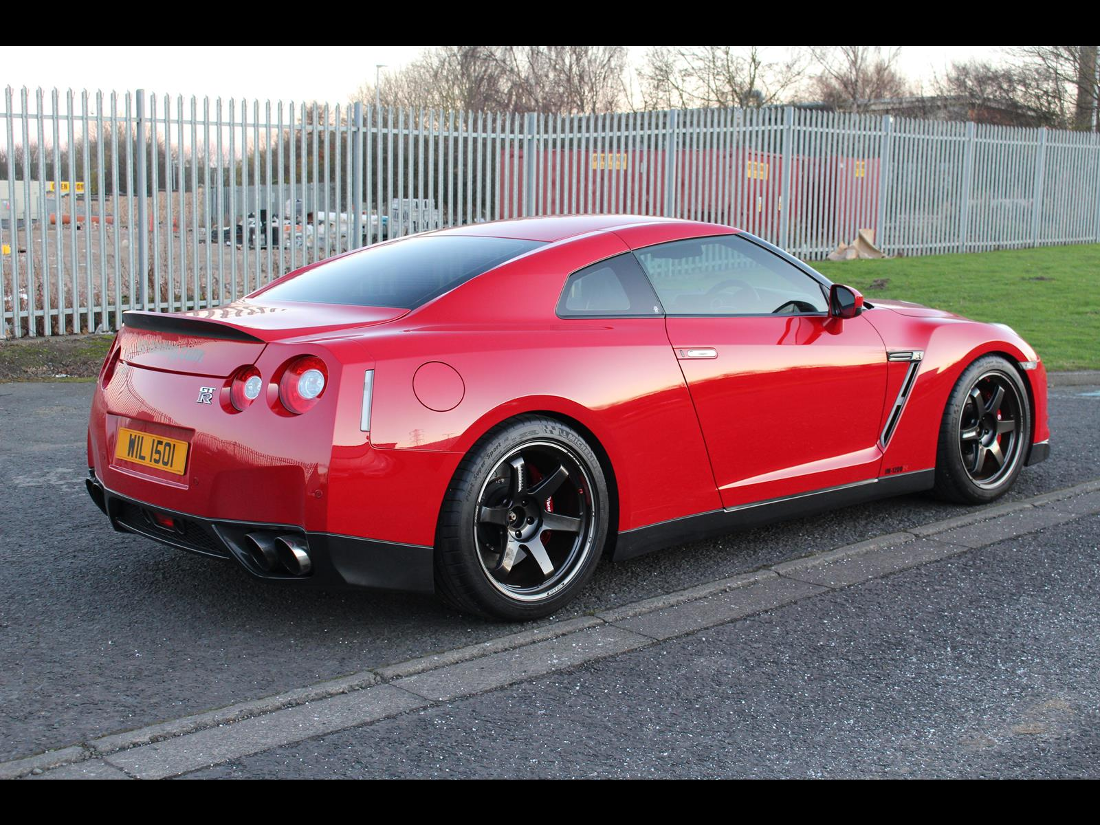 2010 nissan r35 gtr jm1200r uk spec. Black Bedroom Furniture Sets. Home Design Ideas